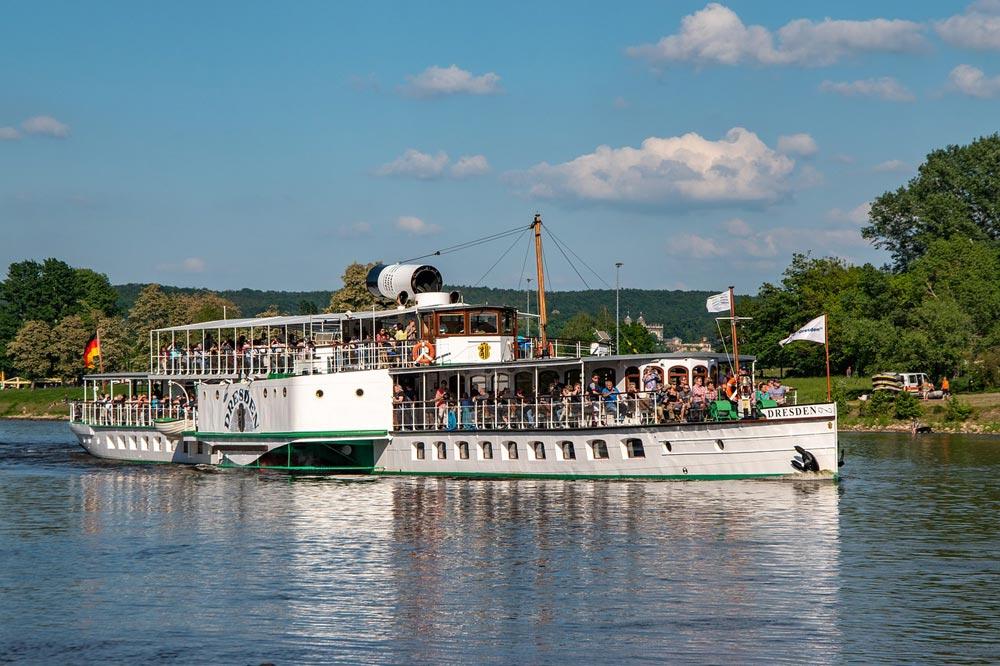 Dampfschifffahrt auf der Elbe