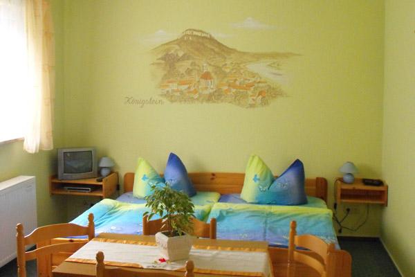 Ferienwohnung Schlafzimmer mit Doppelbett