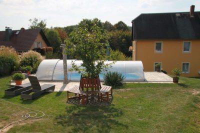 Pool mit Sitzecke